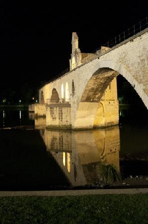 Pont Saint-Bénézet (Pont d'Avignon) : le pont d'avignon3