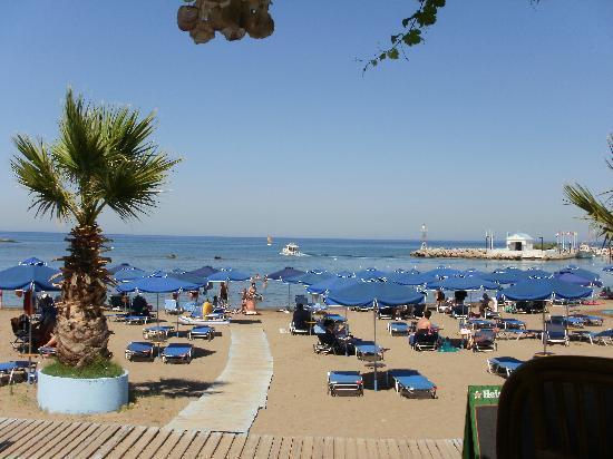 Lymberia Hotel: The Local Beach