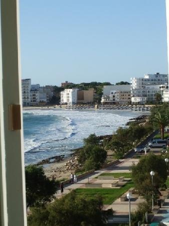 Hotel Palia Sa Coma Playa : view to the right