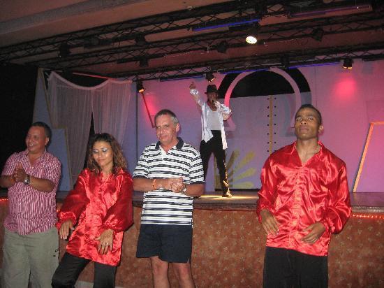 Hotel Abou Sofiane: magnifique spectacle avec la participation des clients