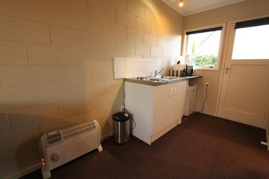 Accent on Taupo Motor Lodge : kitchen