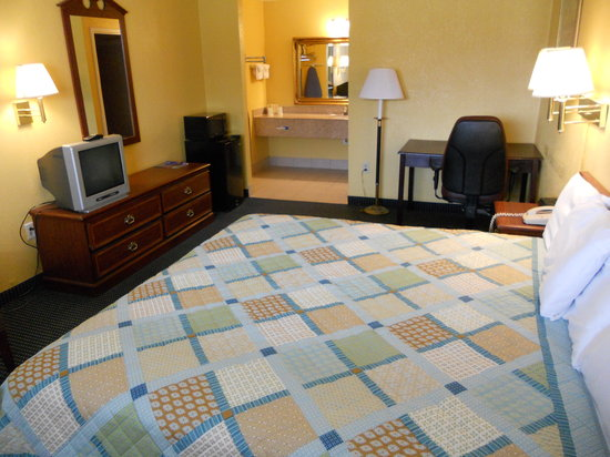 Riverwalk Inn & Suites Portsmouth: King Size A new look