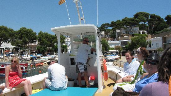 Serveis Nautics: boat and captain