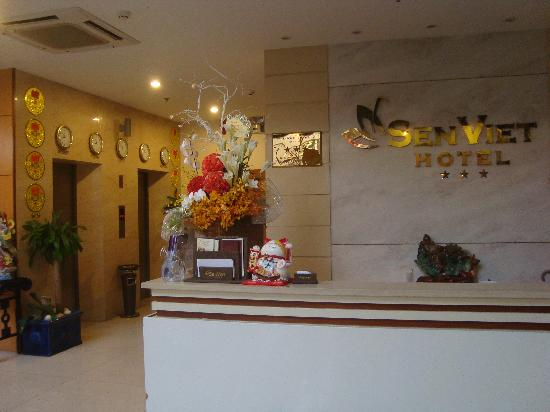 Sen Viet Hotel: The Lobby
