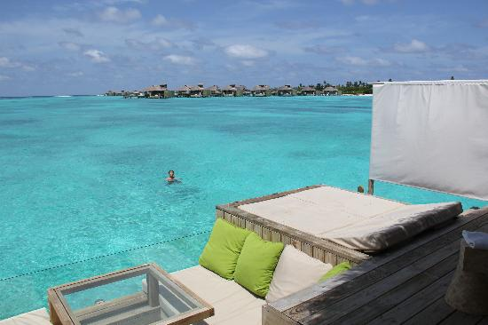 Six Senses Laamu: Balcony of our villa