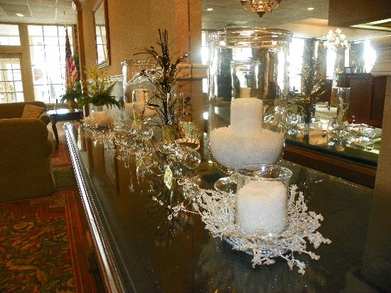 Lafayette Garden Inn & Conference Center: Beautiful Decorations