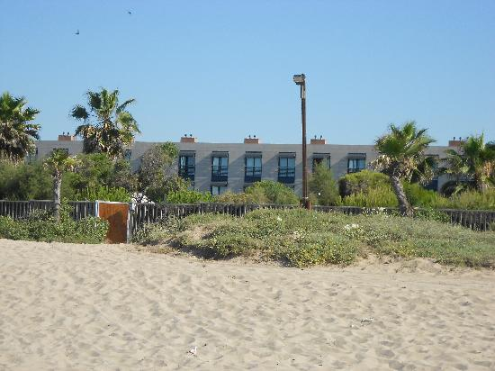 AC Hotel Gava Mar: Hotel from Beach