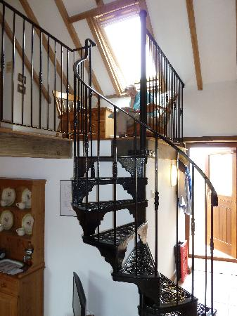Withy Mills Farm: Stairs to the bedroom