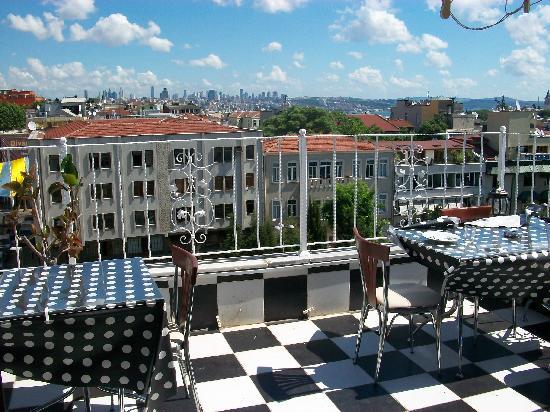 Sevila Hotel: Rooftop breakfast