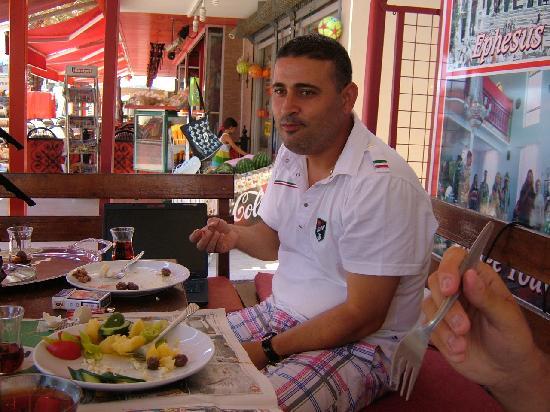 Oasis Restaurant & Bar: Billy the owner