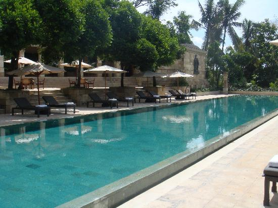 Amanjiwo Resorts: main pool