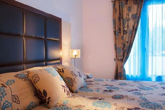 Loizos Apartments Santorini Reviews