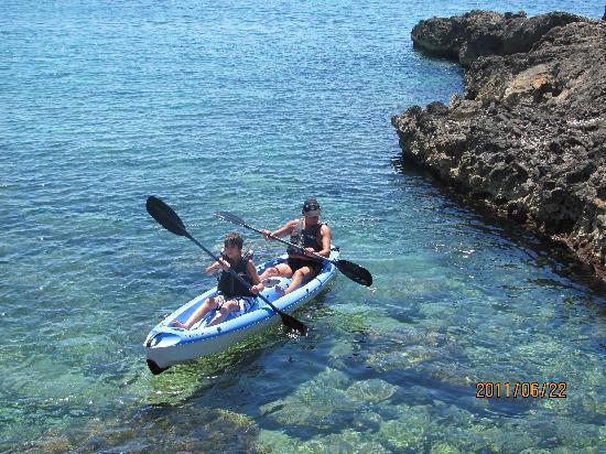 VOI Arenella resort: in canoa