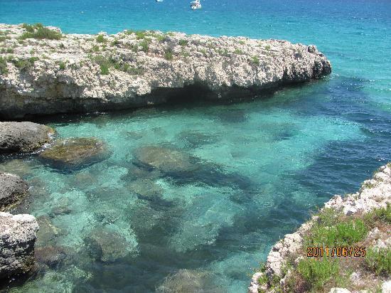 VOI Arenella resort: acque trasparenti