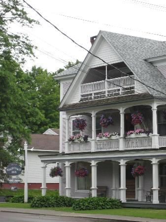 Old Stagecoach Inn: The Inn