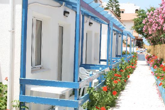 Kastro Beach Apartments: Cozy Rooms