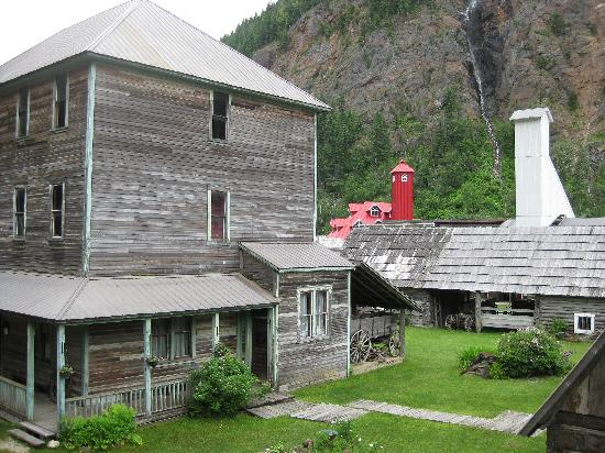 """Three Valley Lake Chateau & Ghost Town : """"Ghost town"""""""