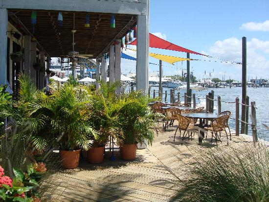 Matanzas Inn: Enjoy the waters view with your meal.