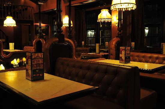 drug opera brussels ulasan restoran tripadvisor. Black Bedroom Furniture Sets. Home Design Ideas