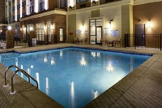 Sheraton Augusta Hotel : Sheraton Hotel Augusta Indoor Pool Area