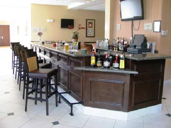 Hilton Garden Inn Augusta Bar and Restaurant Area