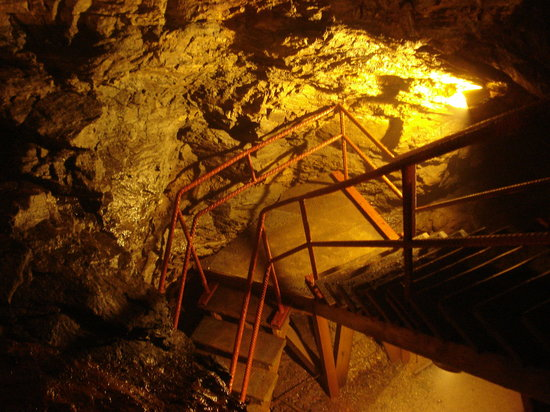Consolidated Gold Mine: Stairs into the mine...