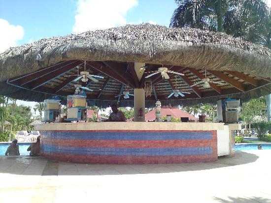 Grand Bahia Principe La Romana: Pool Bar