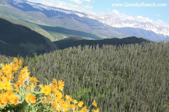 Грэнби, Колорадо: Ride the chairlift to Vista Ridge and see the peaks of the Rocky Mountains