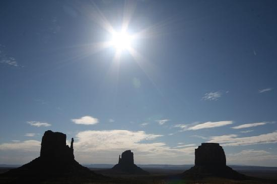 Monument Valley Navajo Tribal Park: Early morning at MV -- a totally different experience