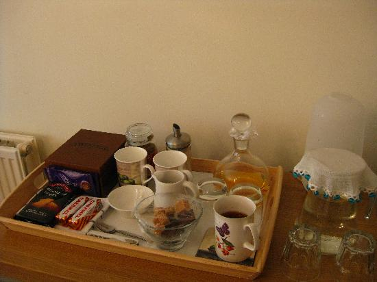 No. 16 Learmonth Terrace: Tea tray and treats