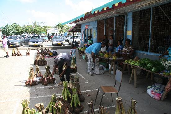 Jean-Michel Cousteau Resort: local maarkets in Savusavu