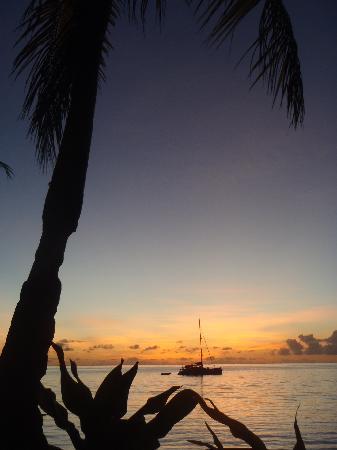 Blue Lagoon Beach Resort: BLBR Sunset
