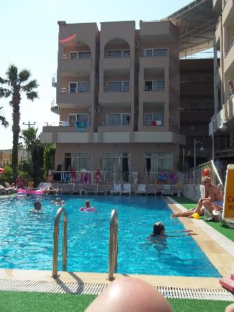 Club Atrium Apartments: The apartments from the pool side