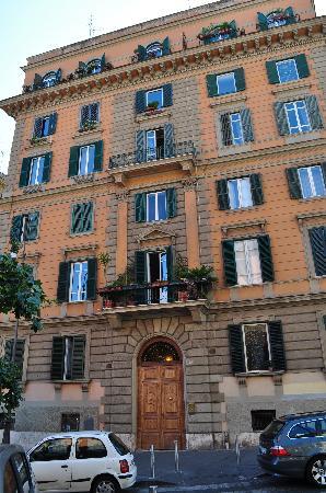 Tamara's Suites : L'immeuble