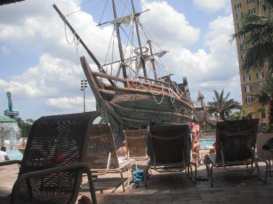 Lake Buena Vista Resort Village & Spa: pirate ship was great