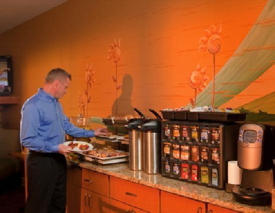 Hotel At WaterWalk : Full Hot Breakfast