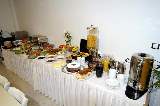 Λαιμός, Ελλάδα: Complimentary breakfastbuffet breakfast