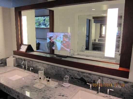 Bon Fairmont Pacific Rim: TV In Bathroom Mirror