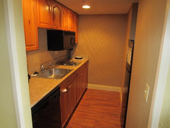 Homewood Suites by Hilton San Antonio Northwest: Kitchen with BIG fridge