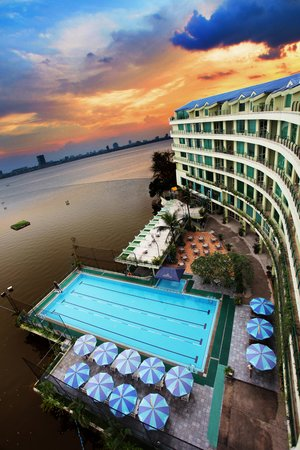 The Hanoi Club Hotel & Lake Palais Residences: The Hanoi Club