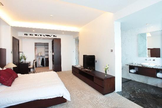 The Hanoi Club Hotel & Lake Palais Residences: Serviced Residence  Bedroom