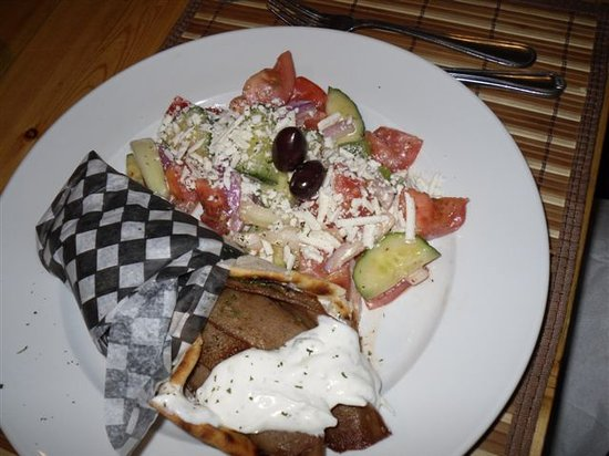 The Drunken Goat Taverna : Gyro with Greek Salad