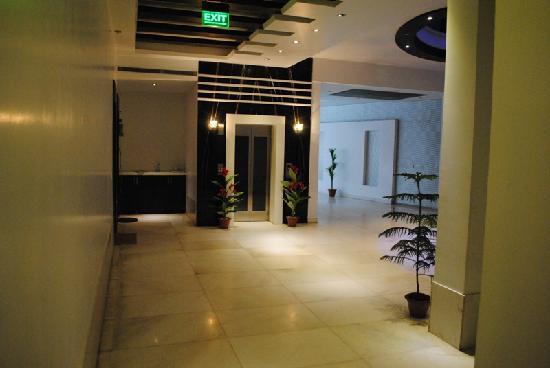 Hotel Krishna: Lobby