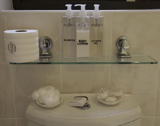 Sylvan Grove Guest House: Complimentary Toiletries