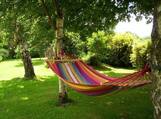 Laniscat, Francia: Laze in a hammock!