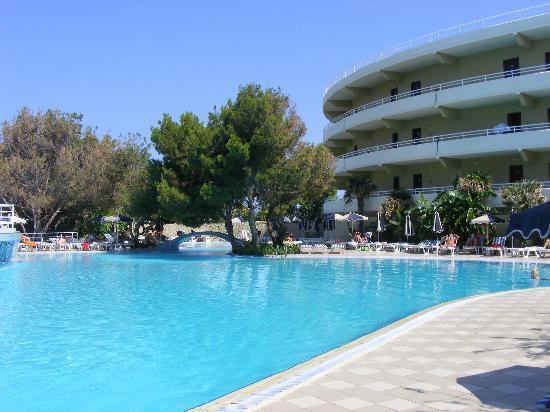 Kallithea, Greece: main pool