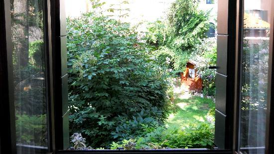 Locanda Ca' del Brocchi: Jolie vue par la fenêtre de notre chambre