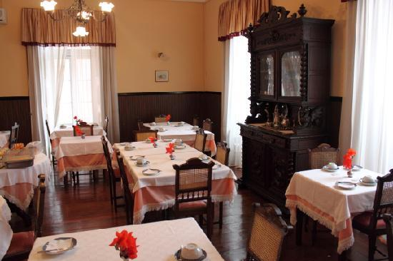 Alegre Hotel Bussaco: Breakfast room