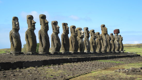 "explora Rapa Nui: The statues known as ""moai"" are some of the most incredible ancient relics ever discovered."