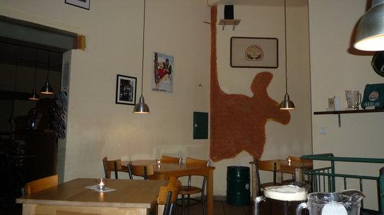 Hell Oder Dunkel Berlin Laubacher Str 28 Restaurant